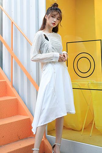 不规则优雅白休闲时尚半裙