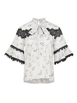 黑白撞色的经典永远不会过时,点缀的黑色蕾丝无限增加浪漫可人的甜美韵味,搭配西装翻领的短款外套,秀气又不失英气。