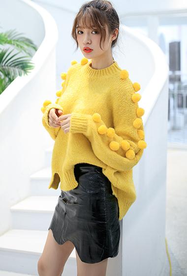柠檬黄毛球套头针织衫