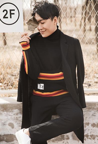 经典黑长款舒适保暖呢外套