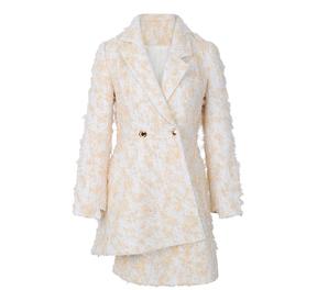 个性不规则下摆设计大衣