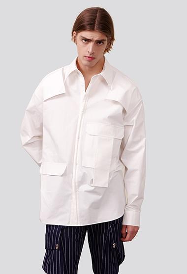 大口袋装饰白衬衫